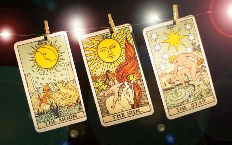 tarot-and-astrology-reading-2
